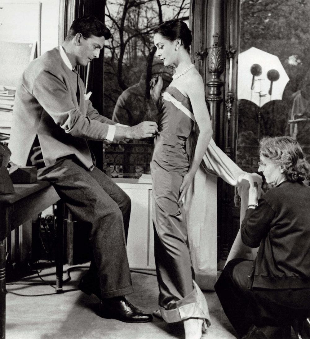 Hubert de Givenchy y Audrey Hepburn. Fotografía: Archivo/Getty