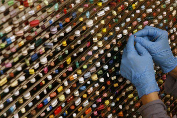Una pared de pastillas. Fotografía: Quartz