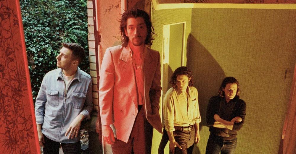 """Ooops: ¡Se filtró """"Tranquility Base Hotel & Casino"""" de Arctic Monkeys y así suena!"""