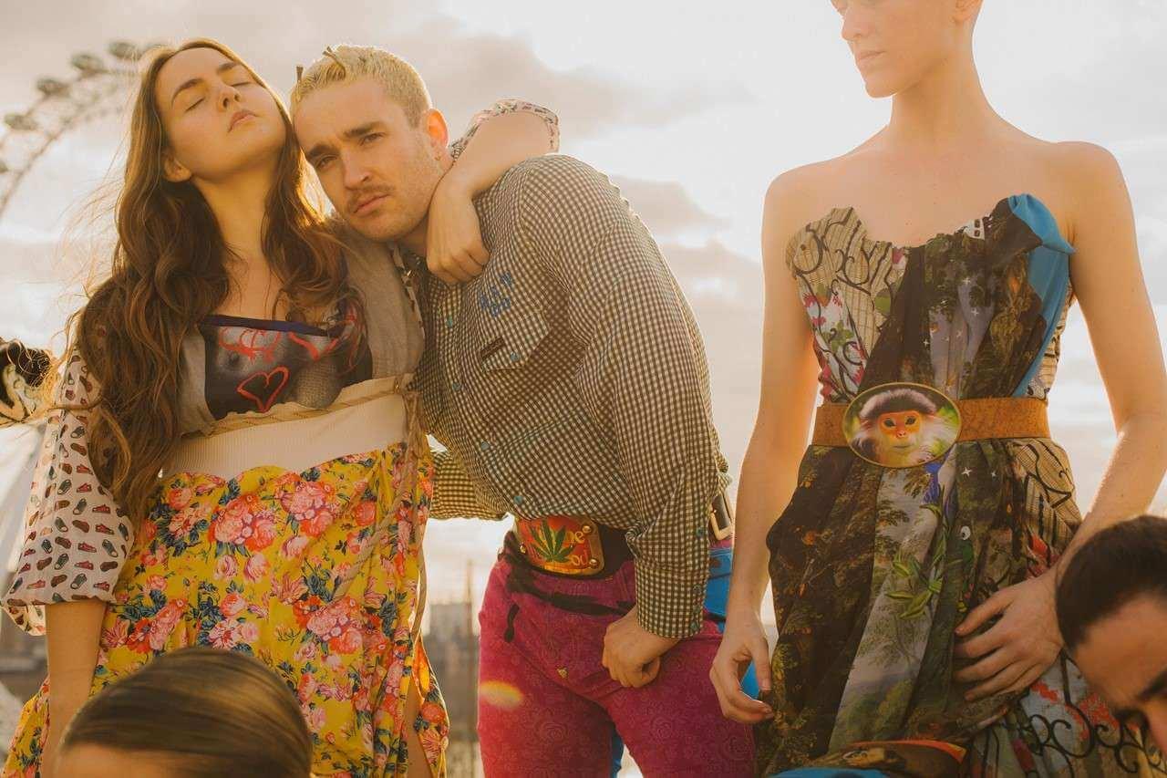 """""""Cowpuncher"""": Vivienne Westwood, Mica Levi y Holly Blakey reimaginan al cowboy como ícono queer"""
