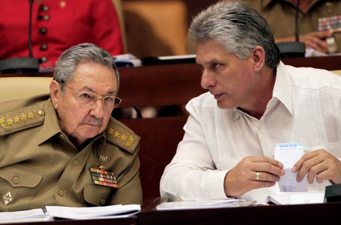 Raúl Castro Y Miguel Díaz-Canel. Fotografía: ABC