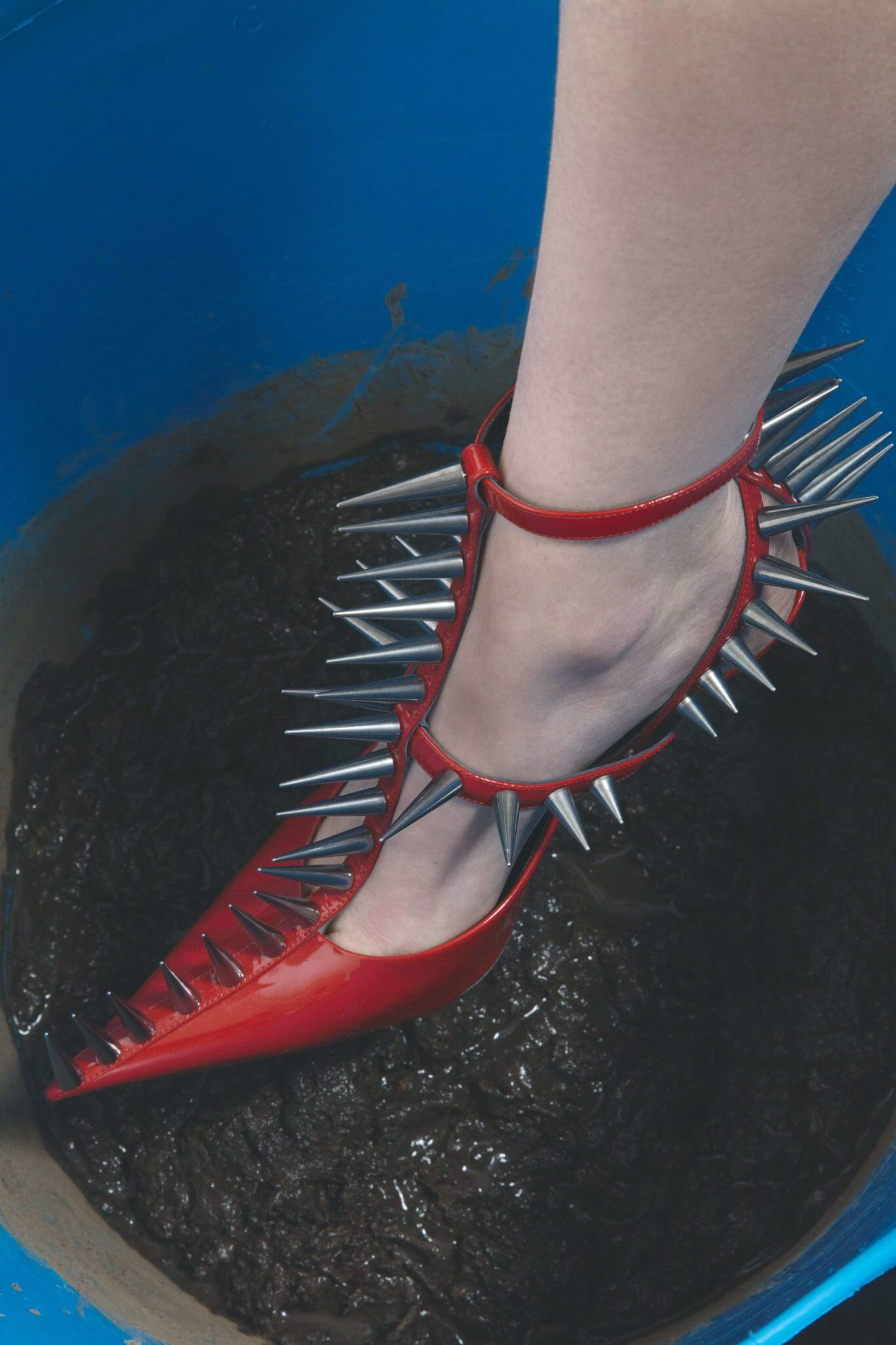 Laetitia Negre: Retratos experimentales y caóticos de cuerpos en movimiento