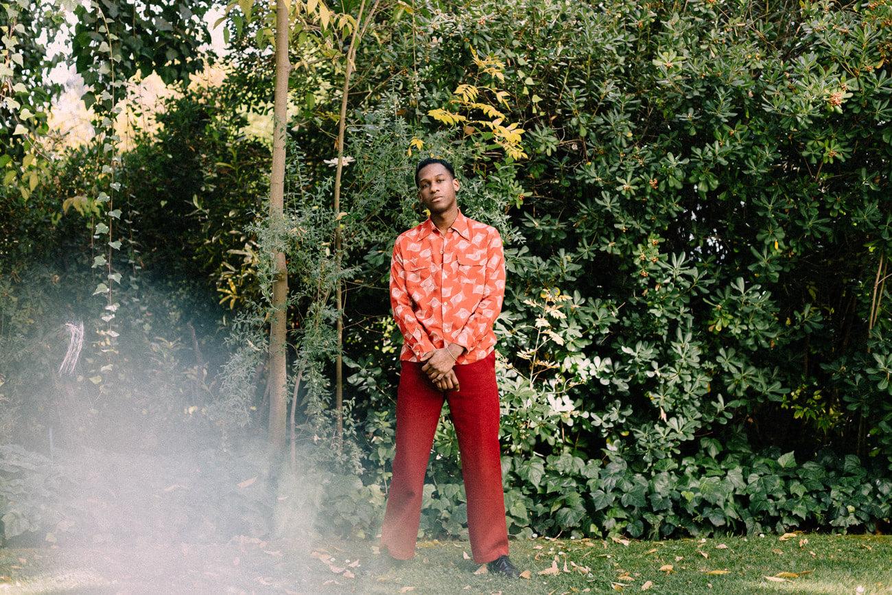 """Leon Bridges: """"Traer el R&B de vuelta significa revivir esa esencia de la música que siempre ha estado presente"""""""