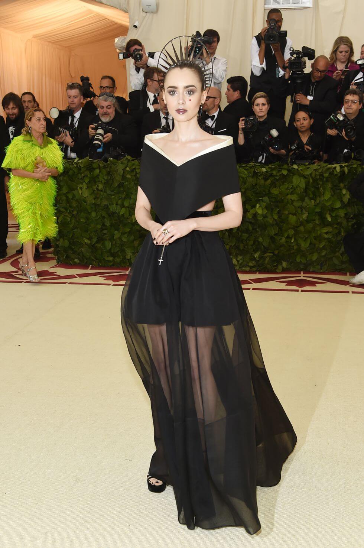 Lily Collins en la Met Gala 2018. Fotografía: Getty