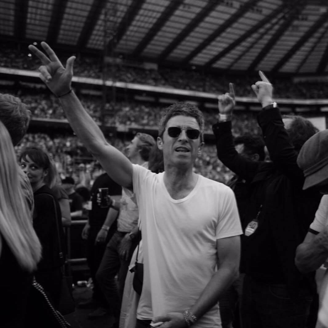 """Noel Gallagher experimenta con la electrónica en un nuevo EP: """"It's A Beautiful World"""""""