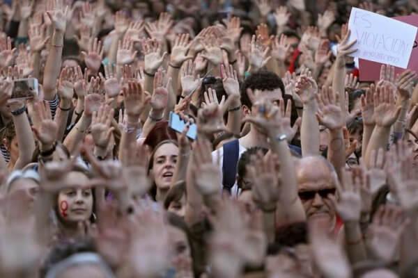 Parte de las protestas en Pamplona luego de la noticia de la liberación de La Manada. Fotografía: AP