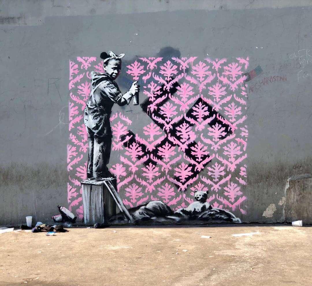 Banksy revela nueva serie de murales en París dedicados a los refugiados