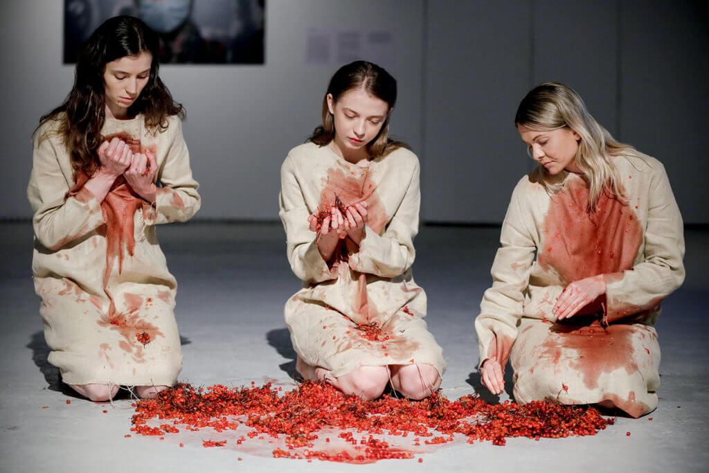 Zinaïda Kubar, la aprendiz de Marina Abramović que convierte el performance art en activismo político