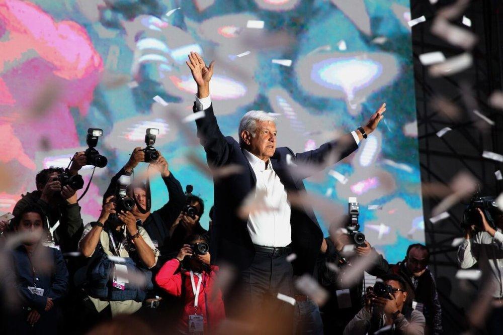 AMLO luego de aceptar su victoria la noche de ayer. Fotografía: EFE