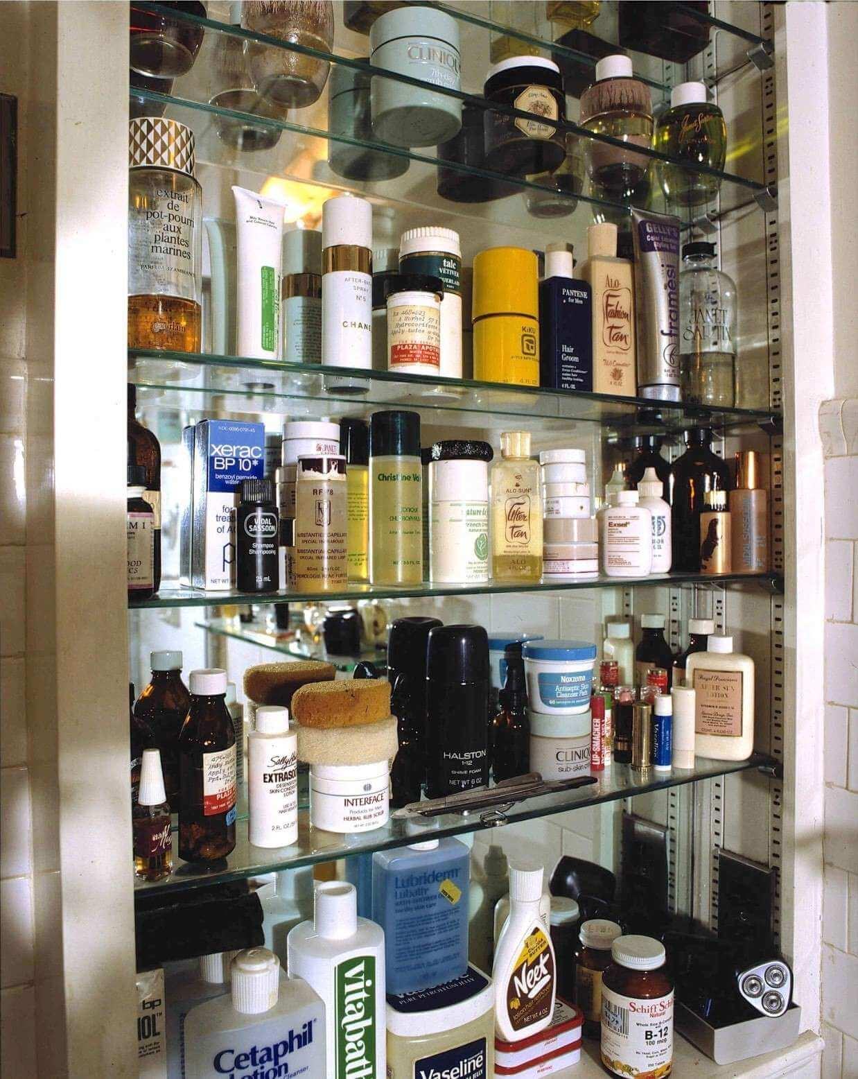 Una mirada obsesiva y voyeurista al interior del apartamento de Andy Warhol