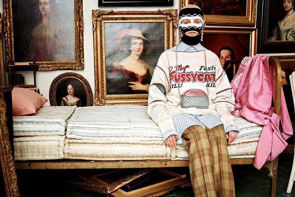La nueva campaña de Gucci es una oda barroca a los coleccionistas excéntricos y obsesivos
