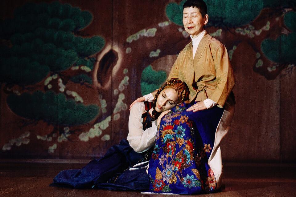 """KENZO presenta """"Le Renard Bleu"""", un corto lleno de moda y mitos de Japón y Senegal"""