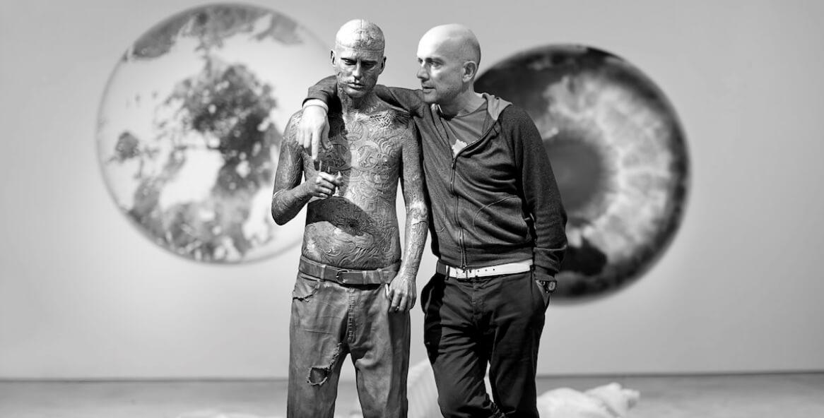 Todo lo que debes saber de la estatua gigante de Zombie Boy hecha por Marc Quinn