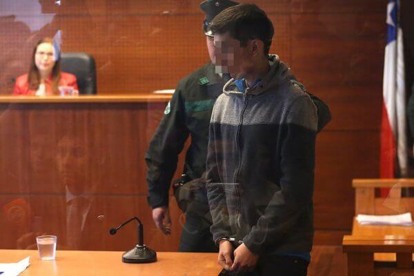 El hacker durante su presetación en tribunales. Imagen: Agencia Uno