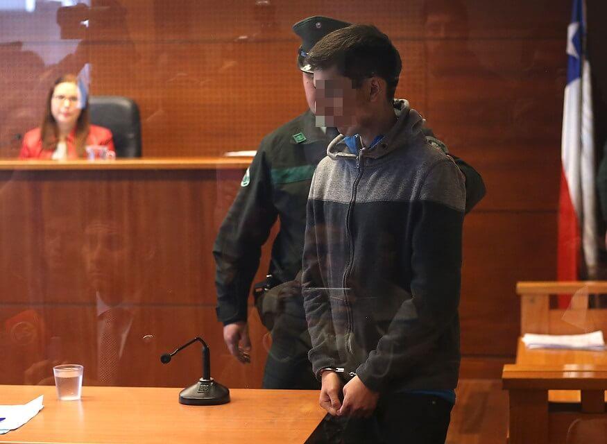 """Así es el """"Mr. Robot"""" chileno de 23 años que hackeó a 250 mil personas y regalaba wi-fi a sus vecinos"""
