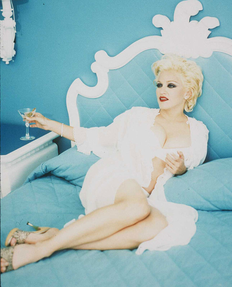 "Madonna en el photoshoot promocional de ""Bedtime Stories""."