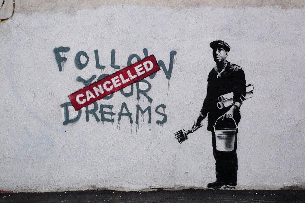 Uno de los murales más conocidos de Banksy. Imagen: Artsy