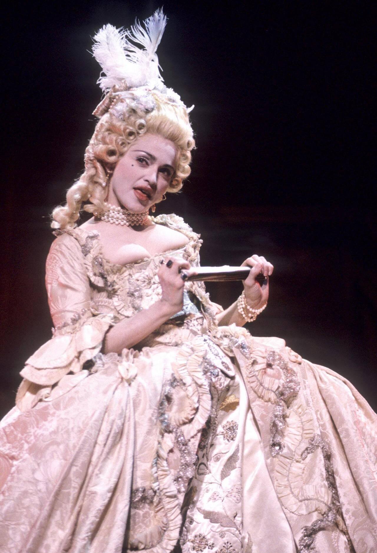 Madonna durante su performance de los MTV VMAs de 1990. Fotografía: Getty Images