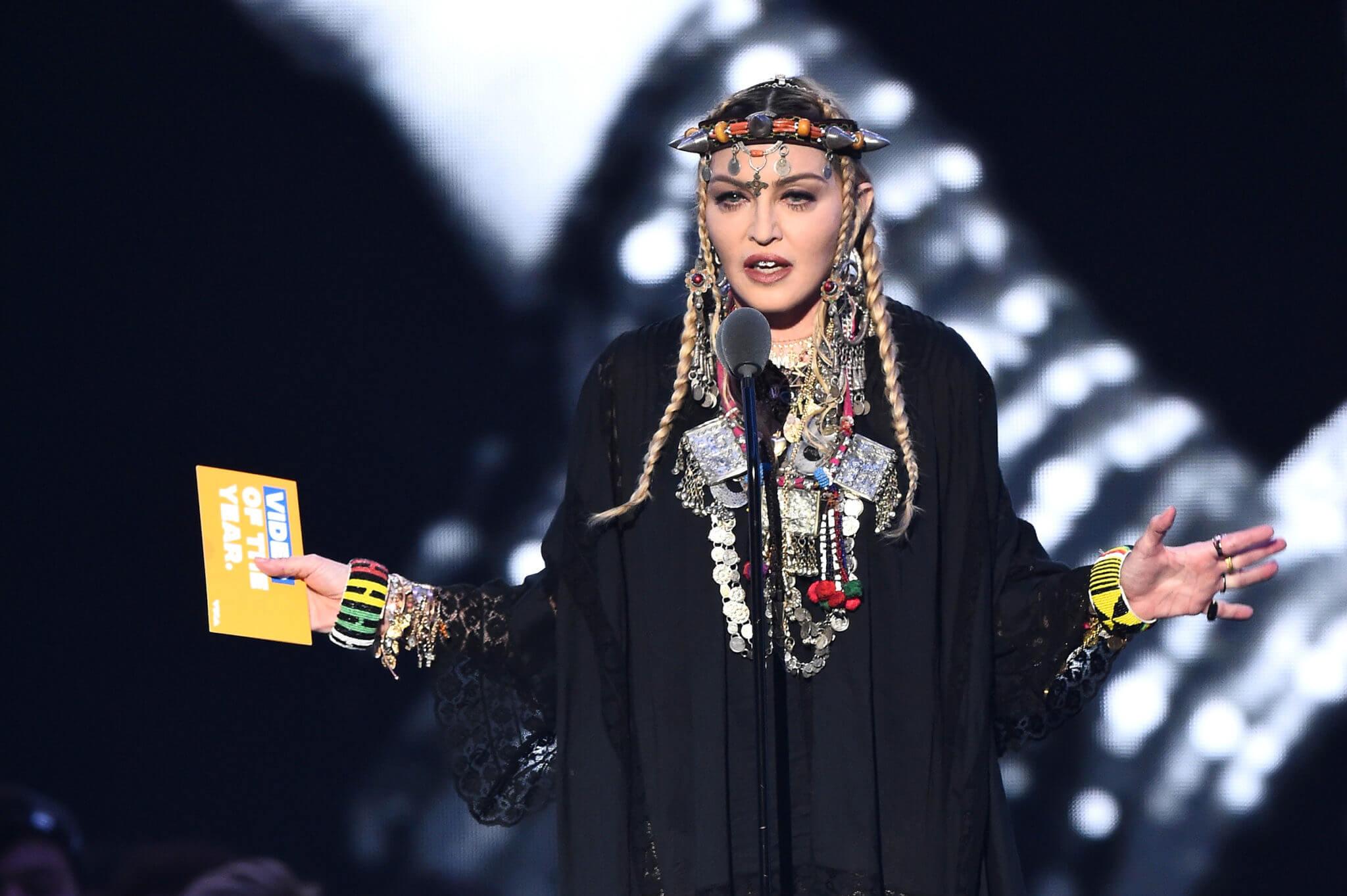 """Madonna diurante el """"homrnaje"""" a Aretha Franklin en los MTV VMAs 2018. Fotografía: Getty"""