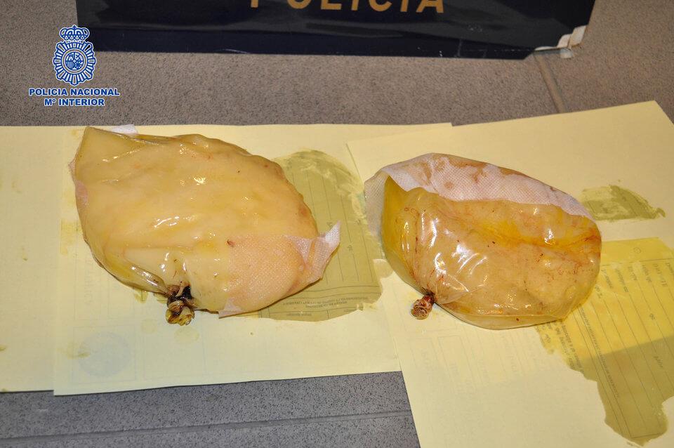 Un kilo de cocaína en estas bolsitas. Imagen: Guardia Civil Española