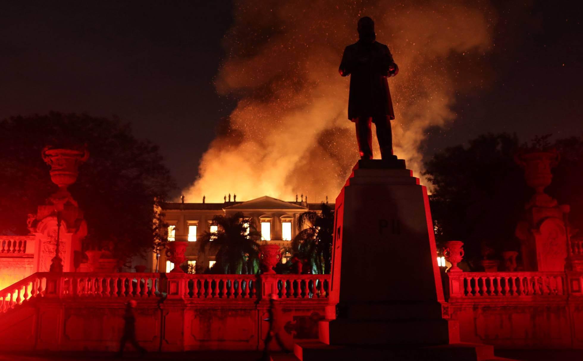 Tragedia irreparable: El Museo Nacional de Brasil es consumido por un voraz incendio