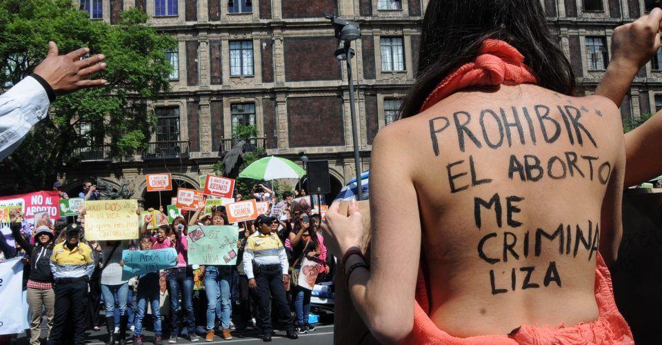La marea verde llega a México: La despenalización del aborto entra en la agenda legislativa