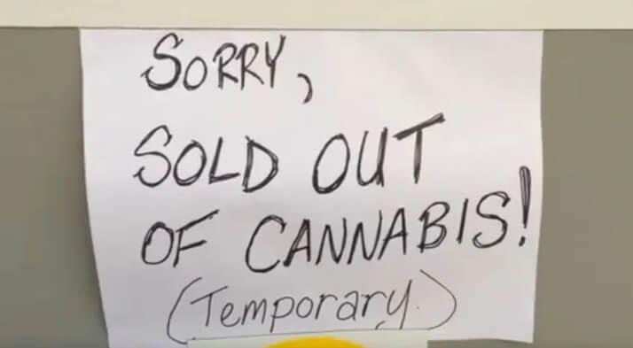 """""""Lo sentimos, se agotó el cannabis (temporalmente). Fotografía: Ryan Cooke/CBC"""