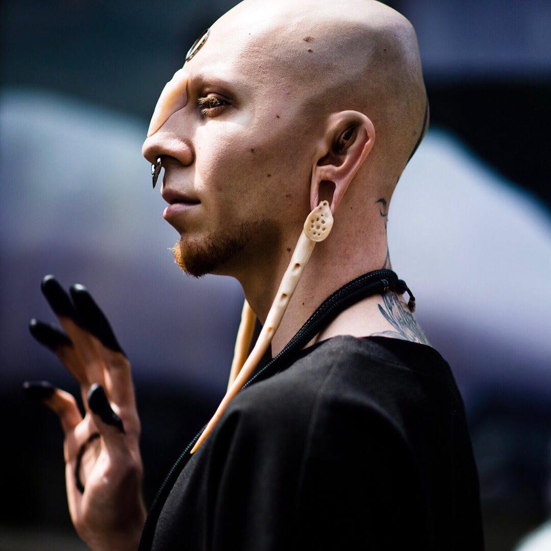 Sam Schavlev, el artista ruso del maquillaje que crea body horror y mutantes en Instagram