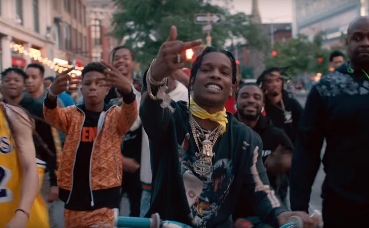 """A$AP Rocky se pasea por Nueva York en su psicodélico video """"Tony Tone"""""""