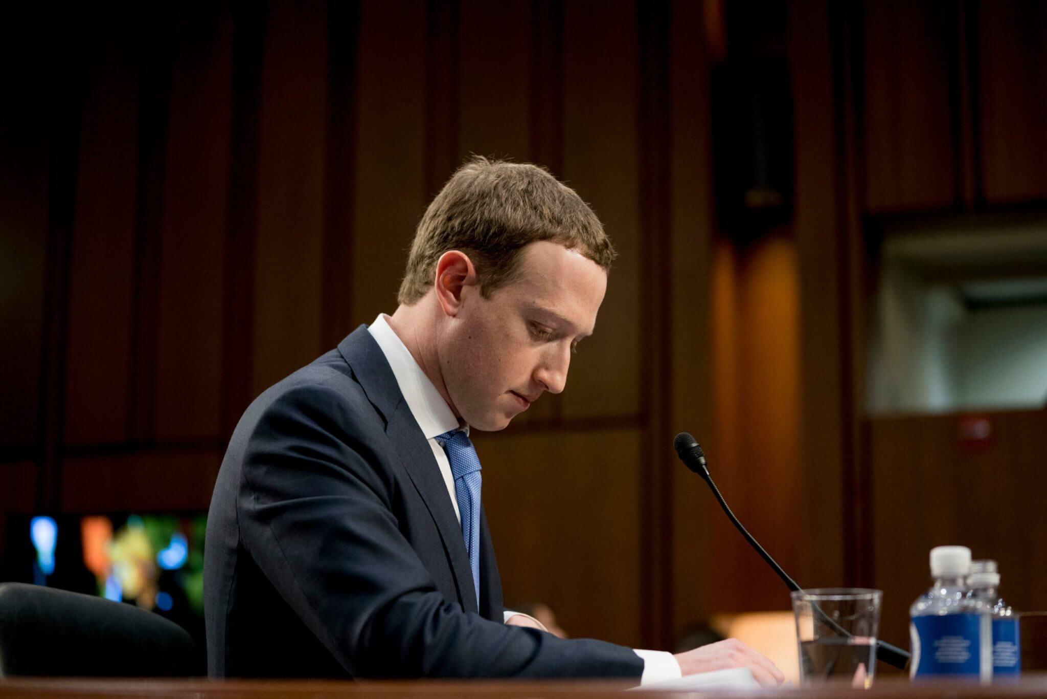 Todo lo que necesitas saber del nuevo escándalo de Facebook: 150 compañías tuvieron acceso a datos y mensajes privados