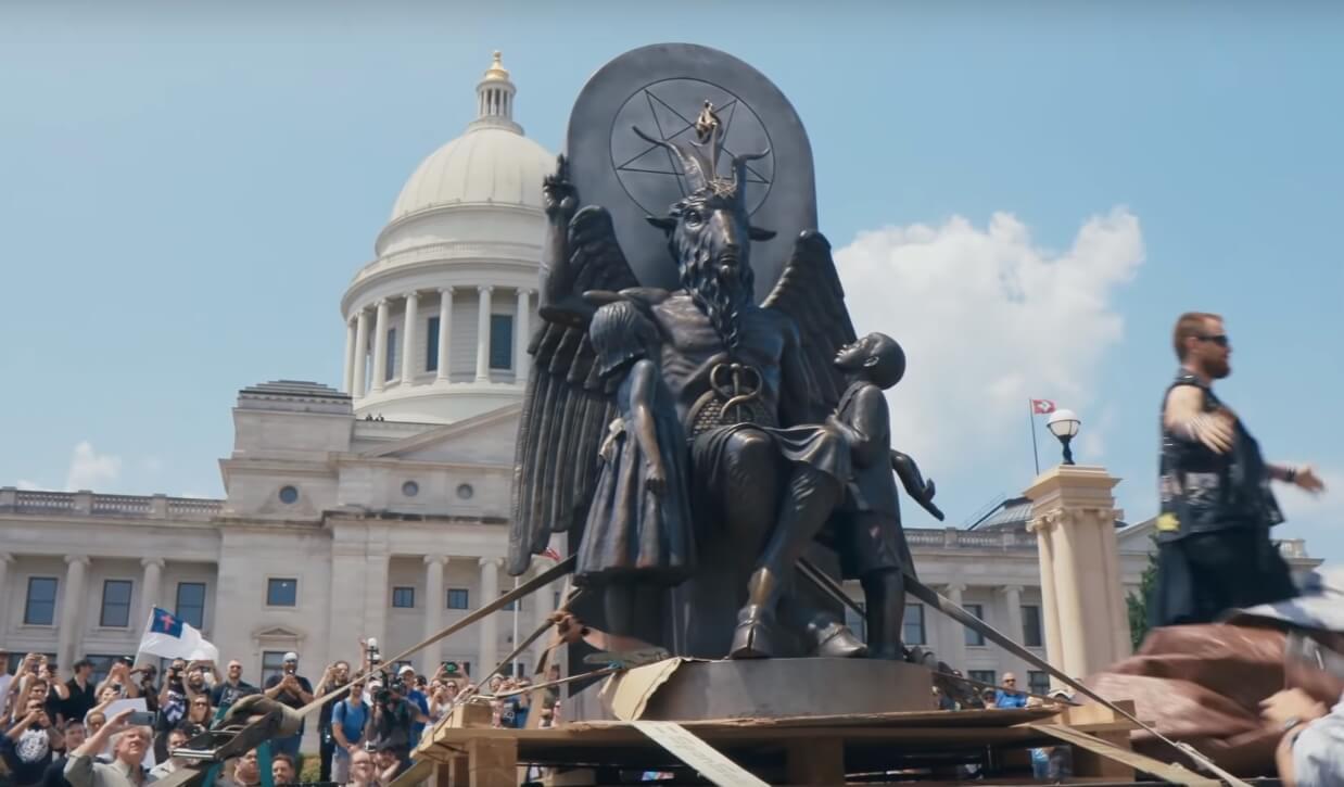 """""""Hail Satan?"""" El documental del Templo Satánico que sacudió Sundance llega con un trailer que celebra la libertad de culto"""