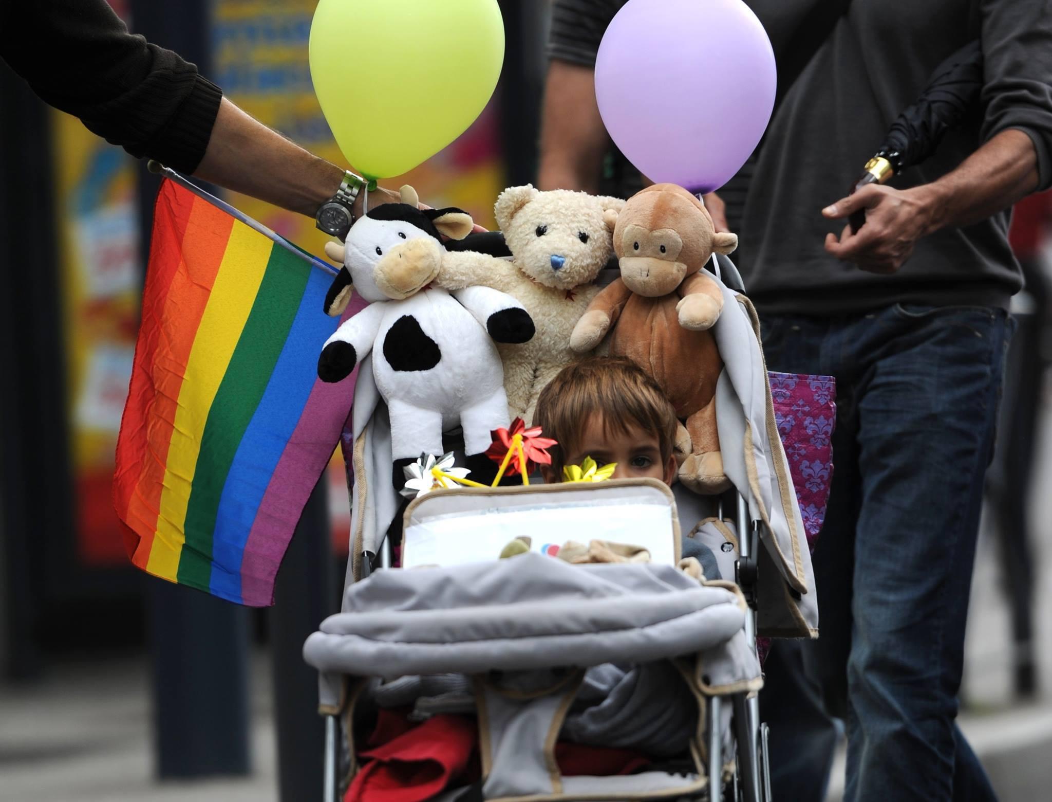 Chile: Diputados aprueban proyecto que permitirá la adopción homoparental