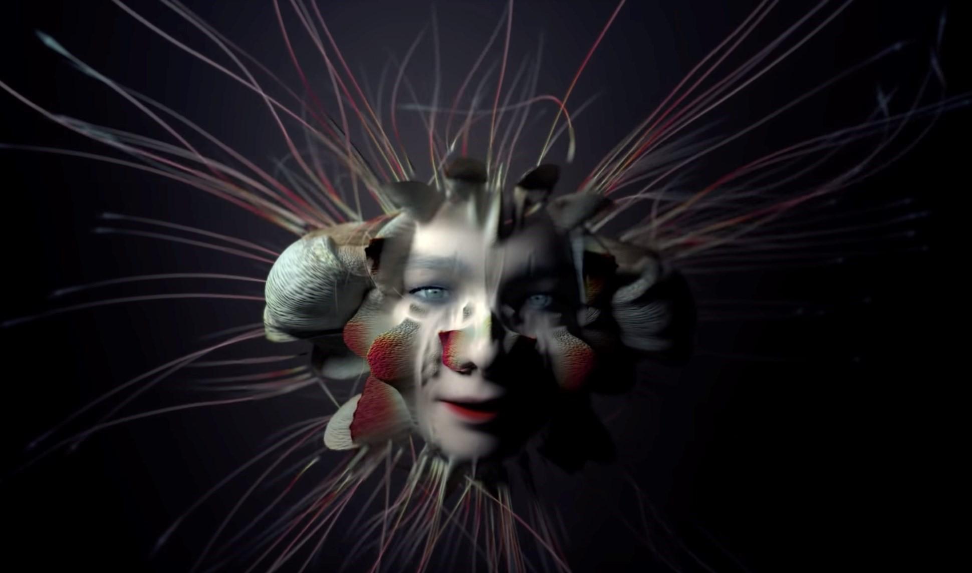 """Björk florece en formas inesperadas en su psicodélico video para """"Tabula Rasa"""""""