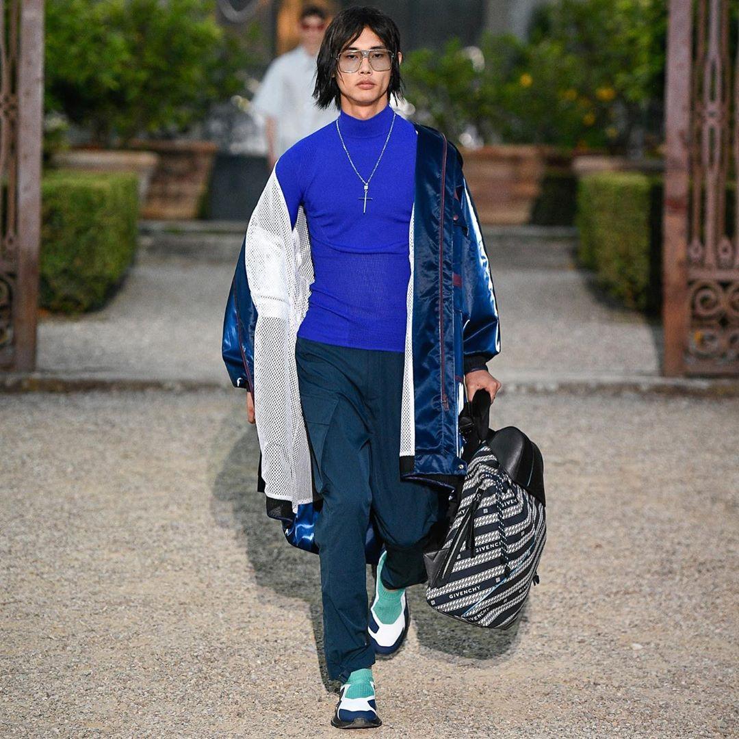 Givenchy, Nouveau Glitch. Foto: Instagram, Clare Waight Keller