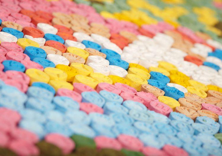Comisión científica asegura que el MDMA y la cocaína son menos peligrosas que el alcohol y el tabaco