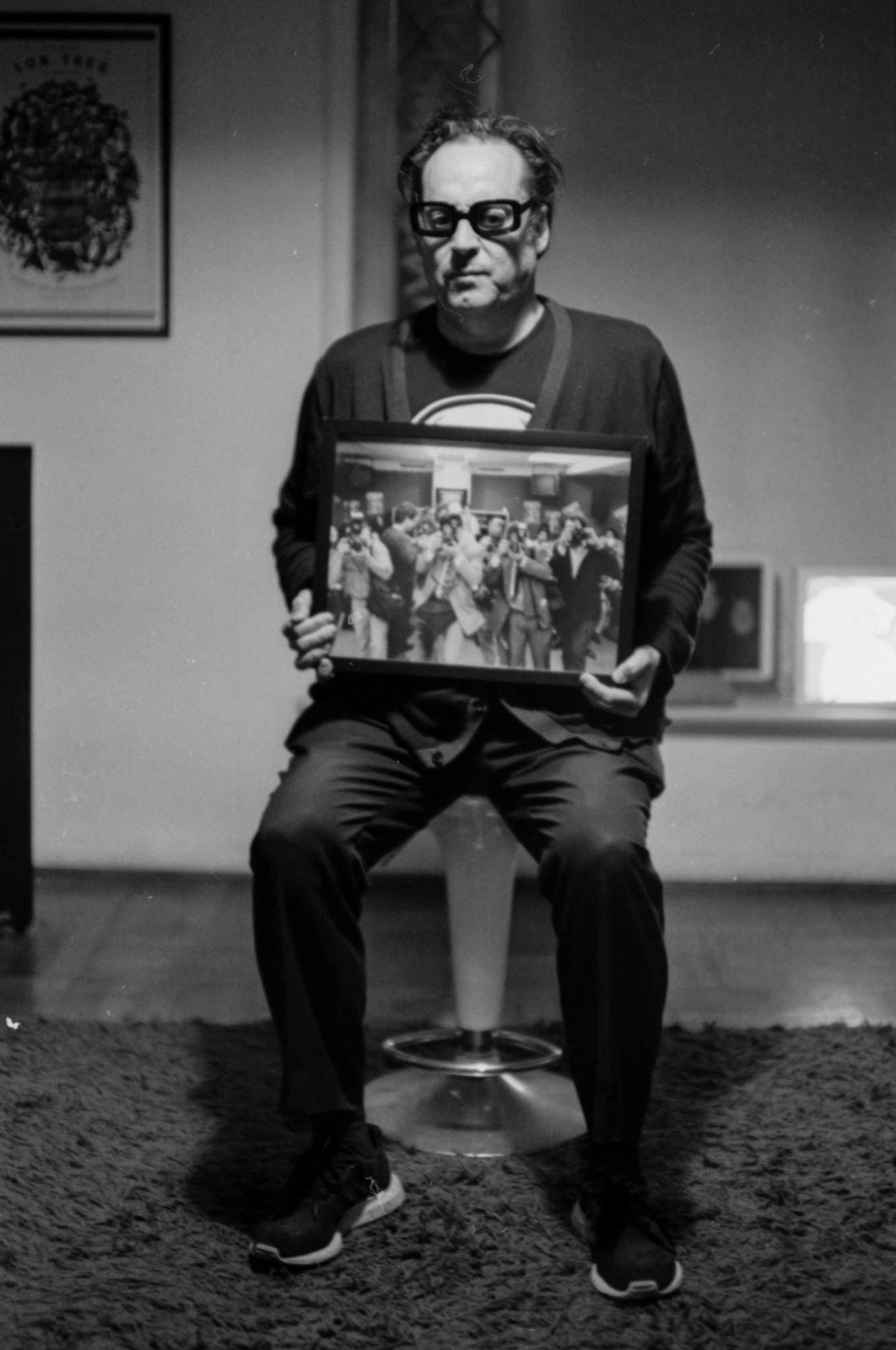 """Q&A con el fotógrafo y bajista de Los Tres, Titae: """"Uno toma fotos de lo que le toca vivir no más"""""""