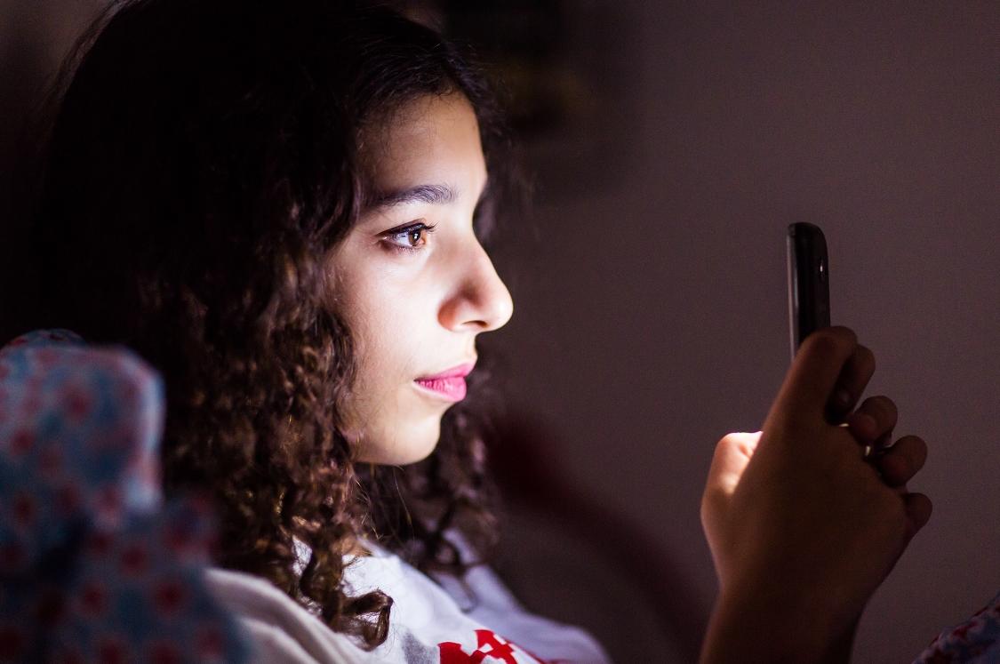 """Estudio afirma que el """"sexting"""" adolescente conlleva problemas de salud mental y abuso de sustancias"""