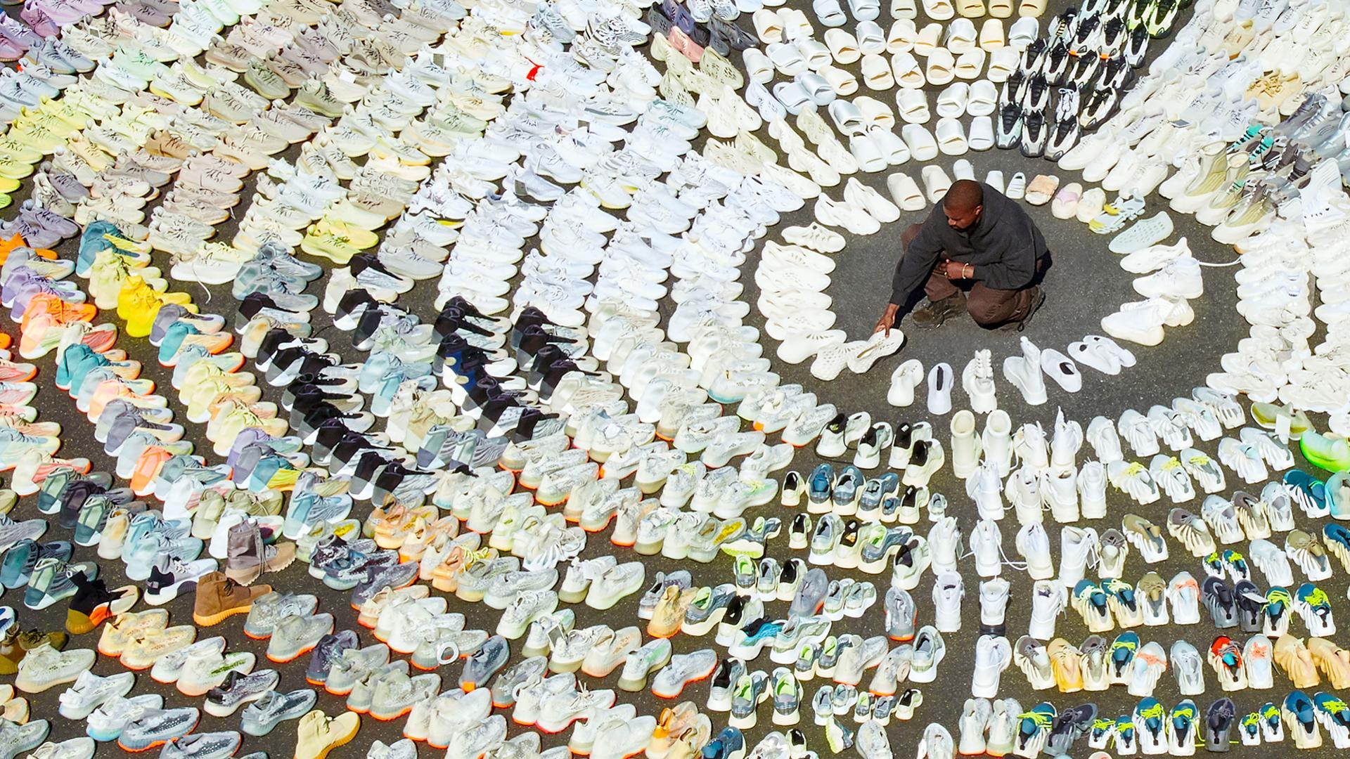 """Kanye West acerca de su imperio Yeezus: """"Mis zapatos están diseñados para traer felicidad incalculable"""""""