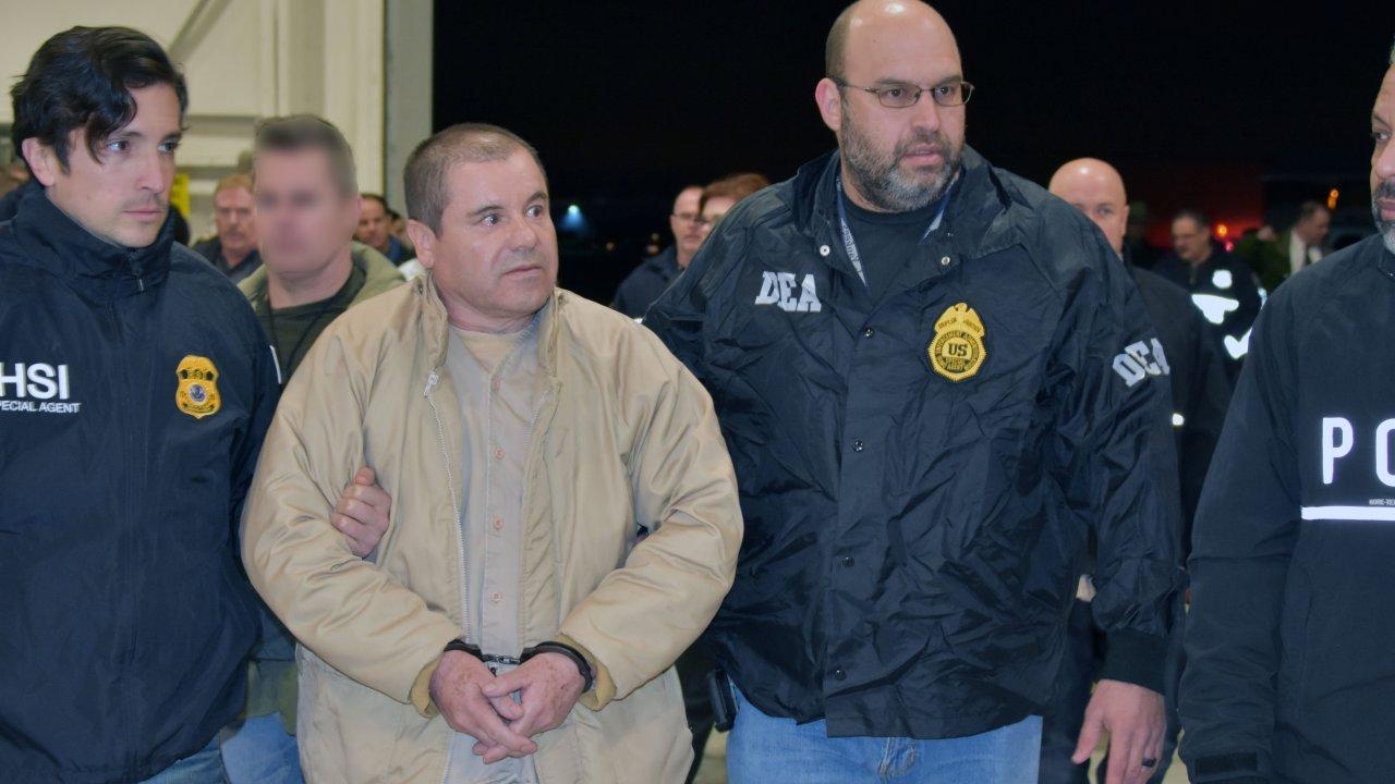 """""""El Chapo"""" Guzmán es sentenciado a cadena perpetua y acusa al gobierno de EE.UU. de tortura"""