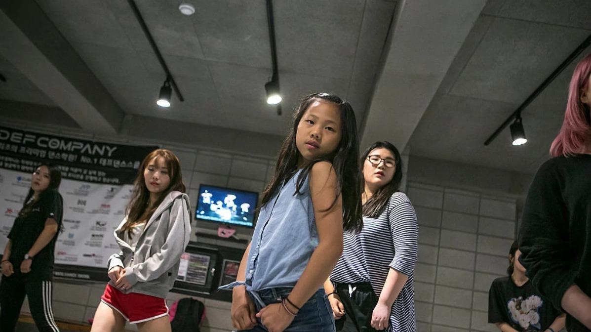 Trainees de K-pop. Fotografía: Jean Chung/Getty