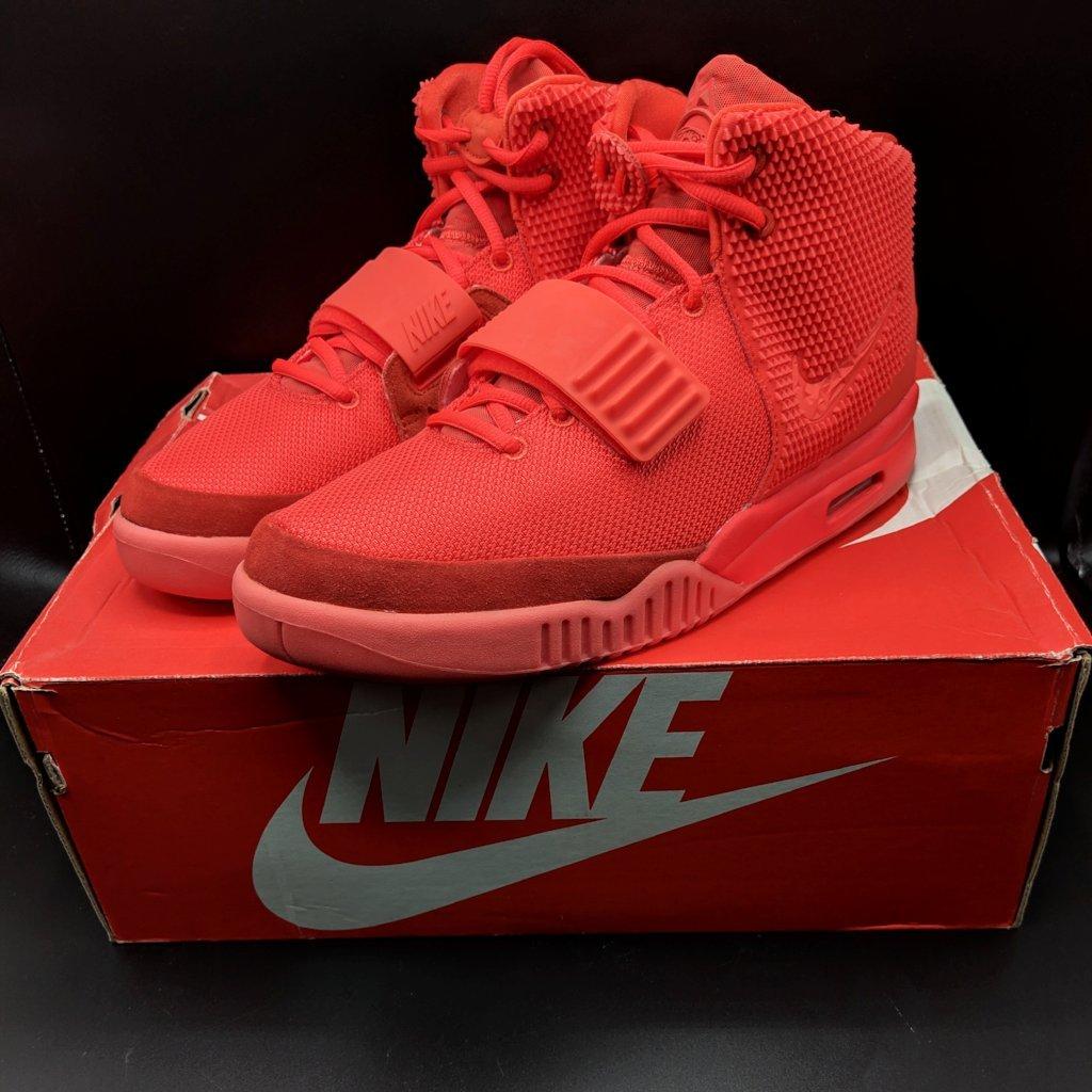 El codiciado Yeezy Red October. Fotografía: Legend Sneaker