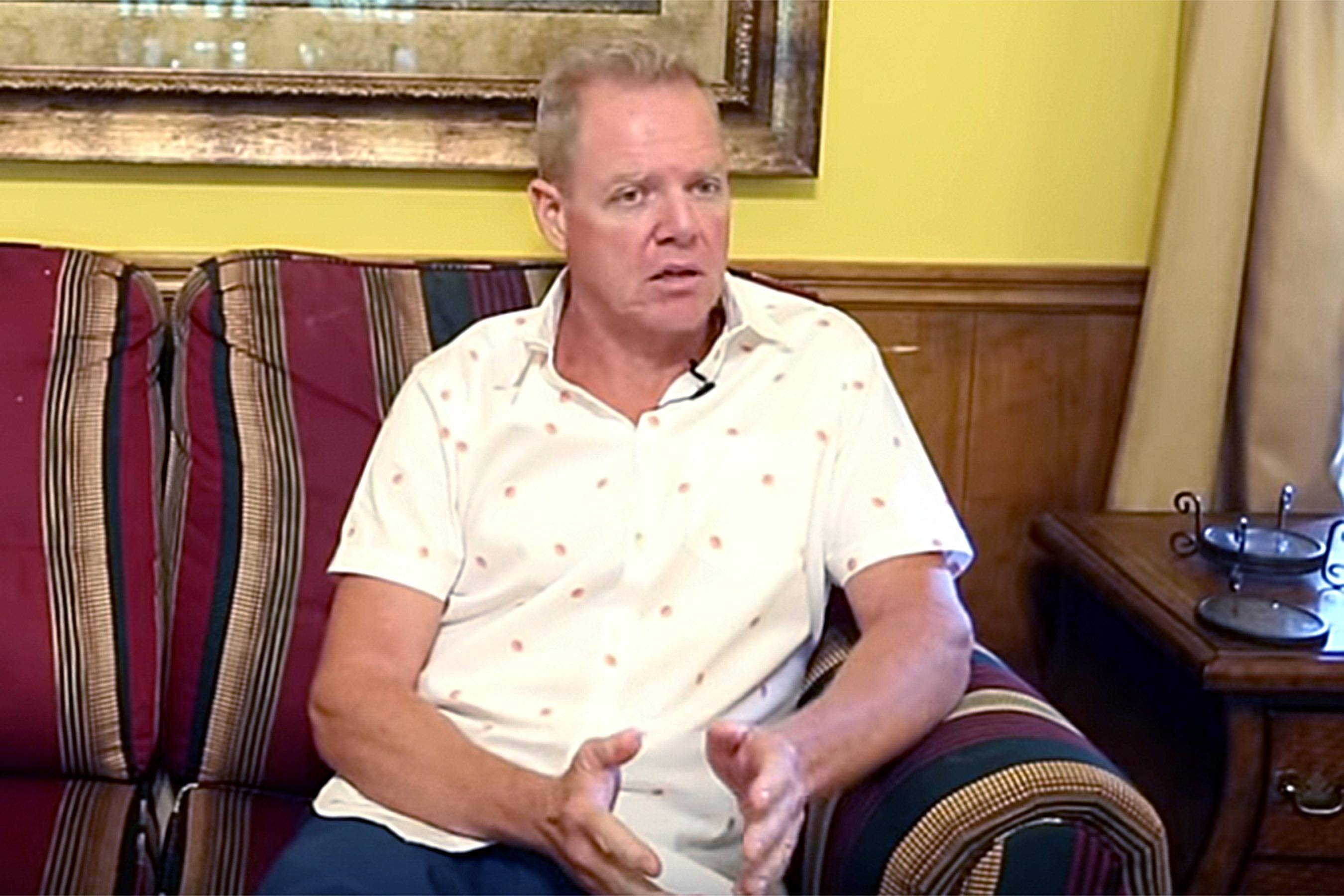 Un fundador de un centro de conversión homosexual se declara gay