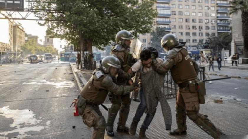 INDH de Chile actualiza cifras: 2.138 personas arrestadas, 376 heridos y 243 menores detenidos