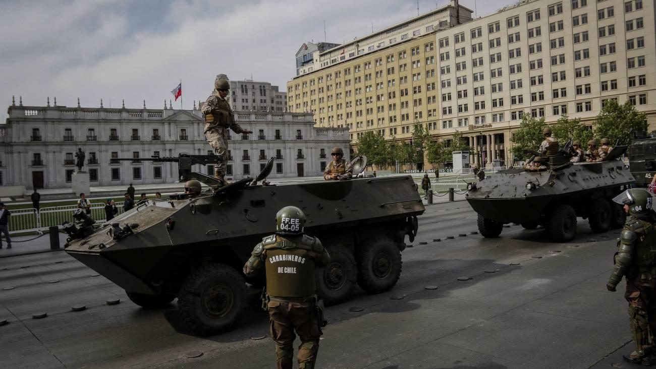 Estallido social en Chile: Presidente Piñera pide la renuncia a todos sus ministros y se levanta el toque de queda