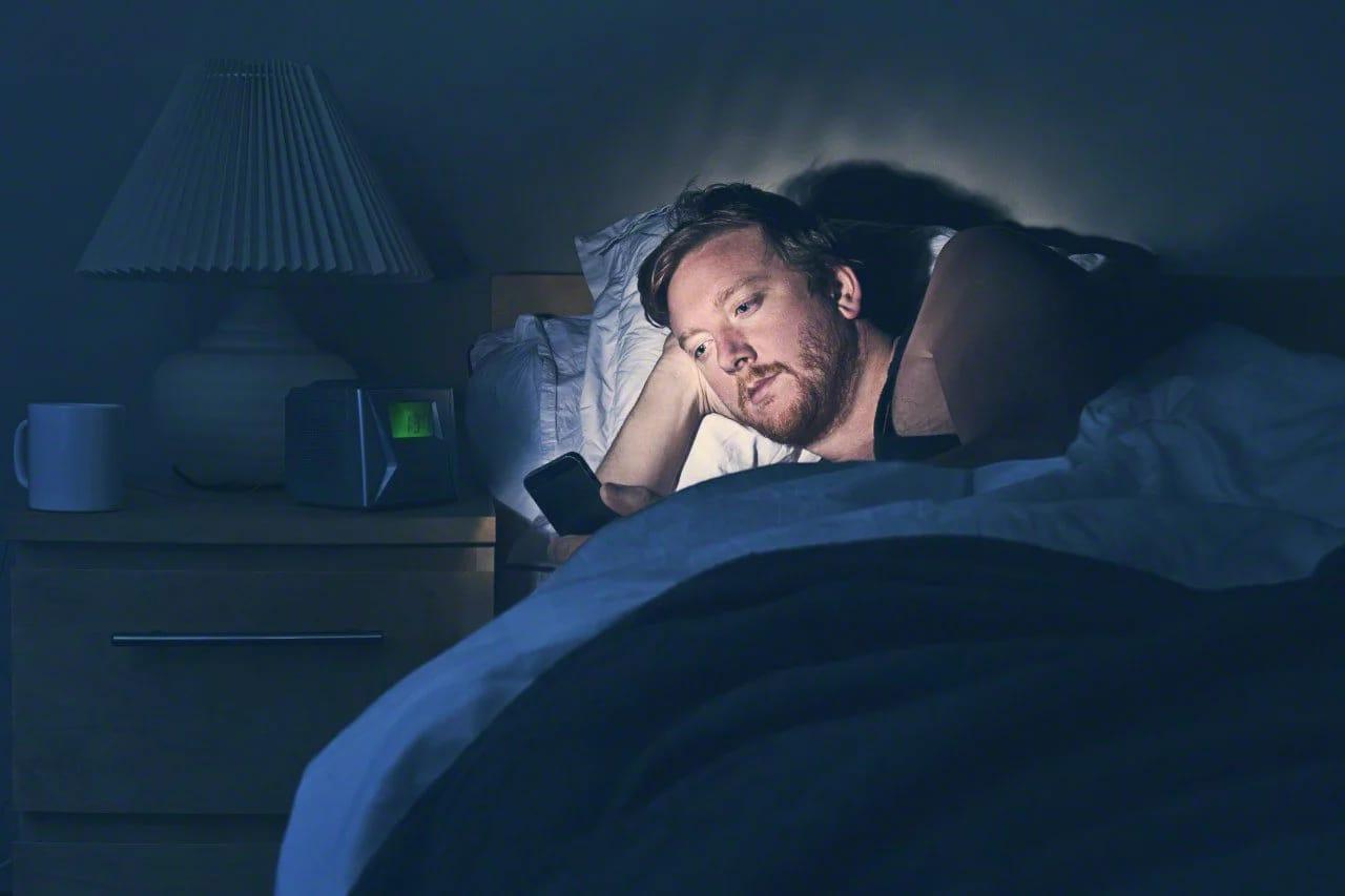 Los hombres que se acuestan tarde tienden a tener más ansiedad de morir, según estudio