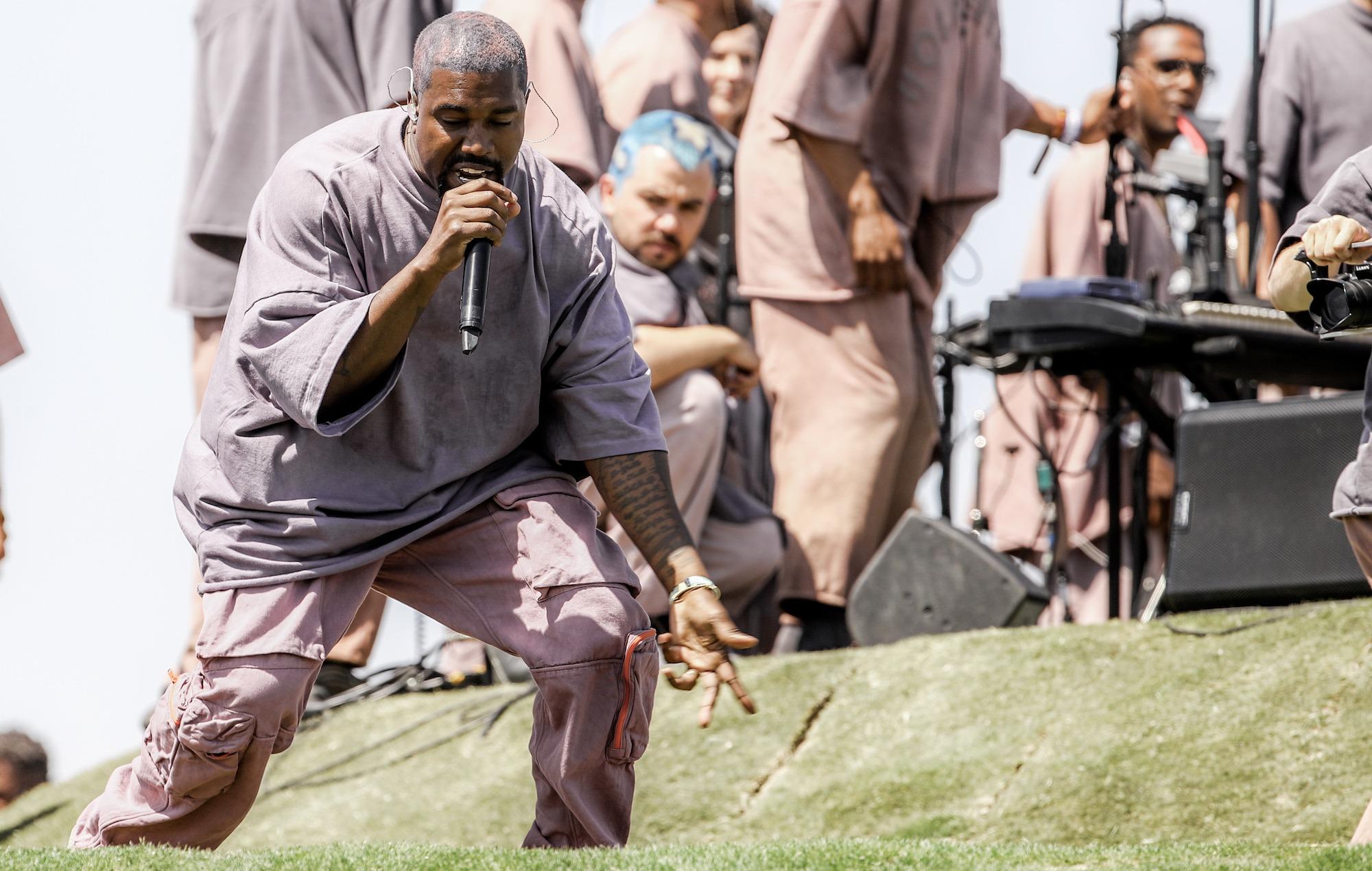 """¿Ahora sí? """"Jesus is King"""" de Kanye West tiene nueva fecha de lanzamiento"""