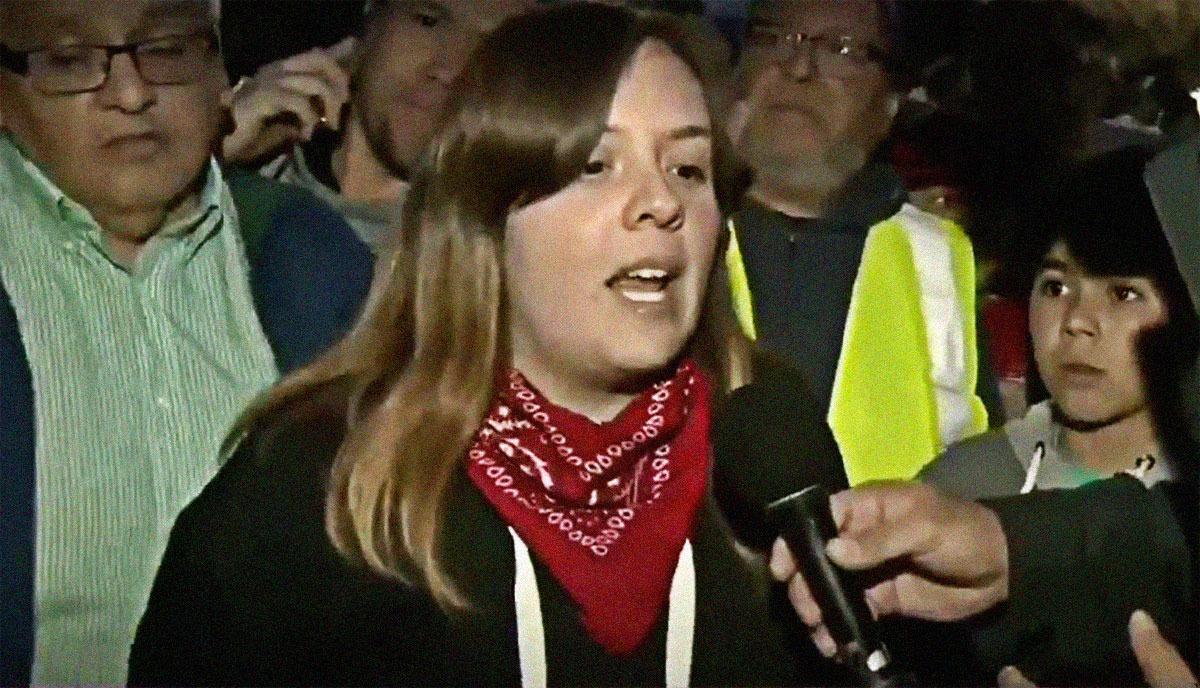 Chile: Vecina increpa a periodista de TV por no mostrar a los manifestantes heridos por militares