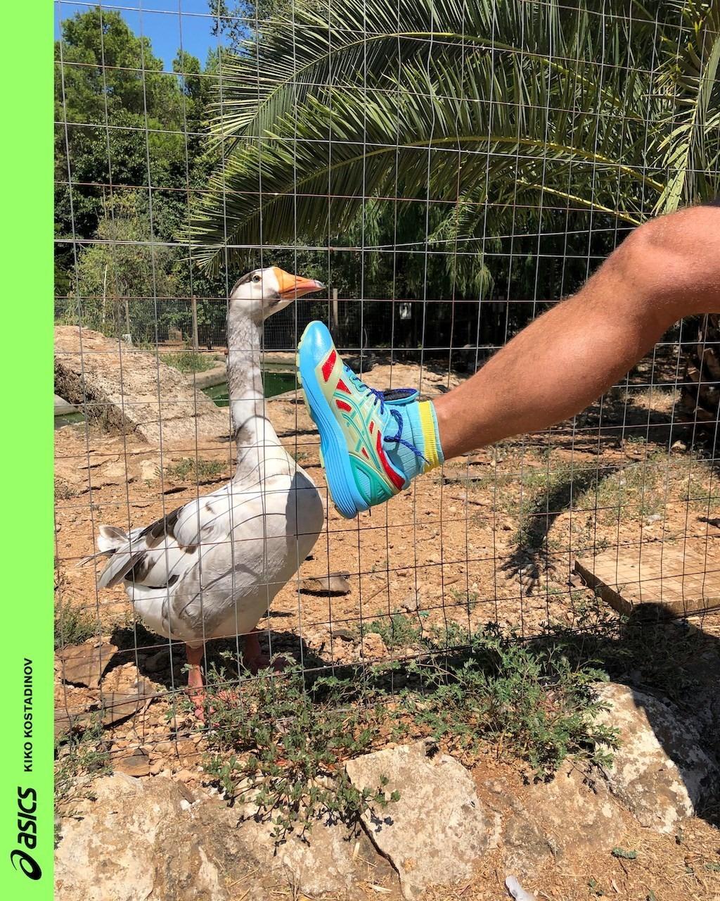 Jürgen Teller protagoniza la nueva campaña de zapatillas de Kiko Kostadinov x ASICS