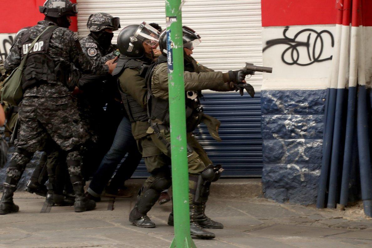 Bolivia: Un alarmante decreto exime de responsabilidad penal al ejército en medio de denuncias de violaciones de DDHH