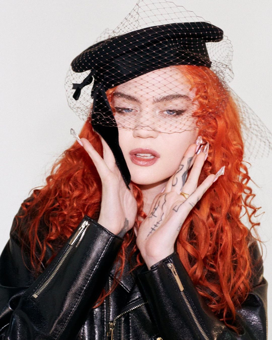 Las cinco frases más controversiales de la entrevista de Grimes con Lana Del Rey y Brit Marling
